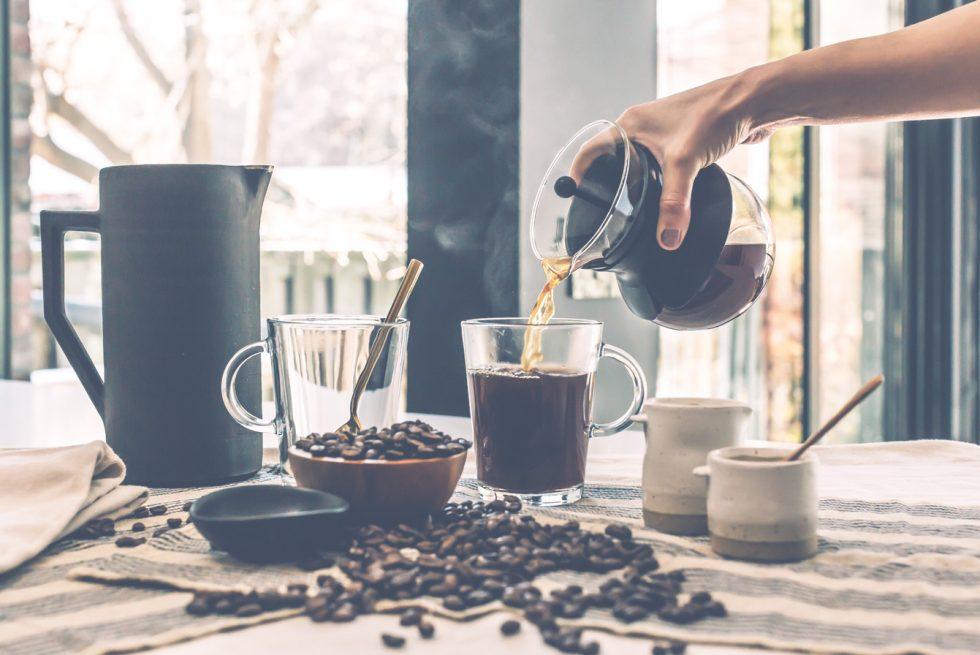Synergia kofeiny i teaniny - Jak działa teanina?